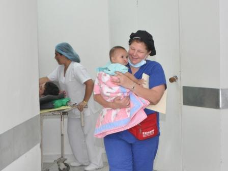 1.3 Ivana & Jodelle on the walk to surgery